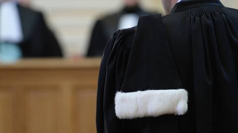 Engager un détective privé grâce à un avocat